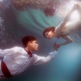 Aquatic Odyssey by Hartono Hosea - Wedding Bride & Groom