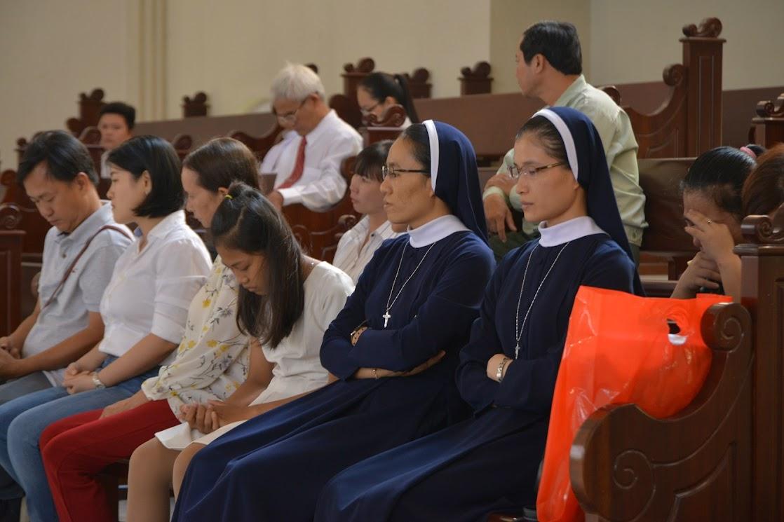 Thánh Lễ Truyền Chức Linh Mục Giáo Phận Phú Cường : Là Kitô Khác Chứ Không Phải Khác Kitô - Ảnh minh hoạ 6