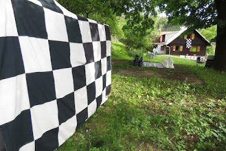 Photo: Frymíkův domeček a jeho přípravy na příchod jeho příznivců