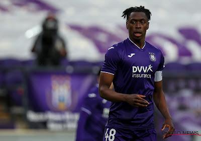 """Sambi Lokonga zet zijn ploegmaats op scherp: """"We dachten dat het wel in orde zou komen door gewoon op het veld te verschijnen"""""""