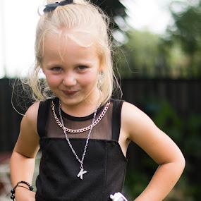 Katelyn by Leanne Vorster - Babies & Children Child Portraits ( blonde, girl, fun, smiling )