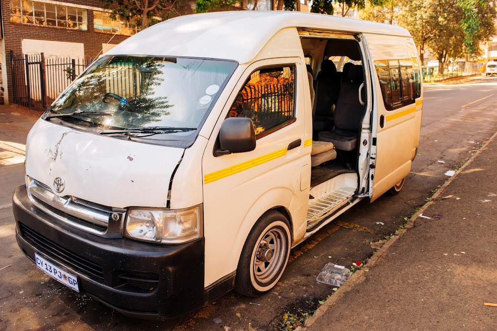 First day of Covid-19 lockdown causes transport setbacks