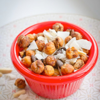 Pumpkin Spice Roasted Chickpea Trail Mix