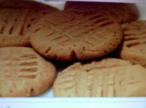 Four Ingredient, Flourless Peanut Butter Cookies