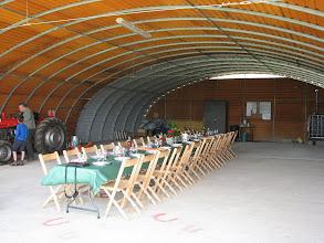 Photo: Vue du hangar agrandi qu'on inaugure