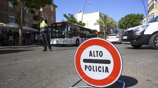 Más Policía contra el coronavirus y el tabaco en las calles y playas de Almería