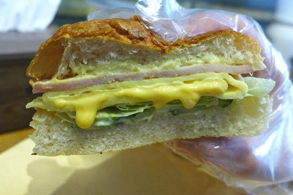 穿越時空在教室裡吃碳烤吐司和菠蘿堡-高三孝(松菸文創店) @ 醜女食記
