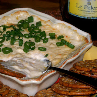 Happy Hour Friday! Creamy, Cheesy Crab Dip.