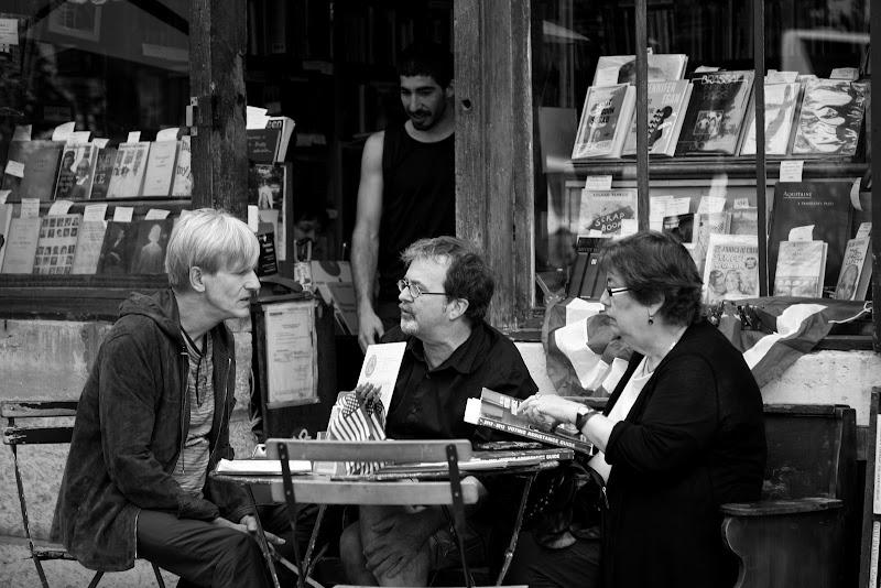 Discussione in libreria di antoniod