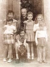 Photo: Mini y Celi, Loli, Maximina, Mar, Loli y Mari jose.