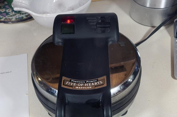 Close the lid and cook.