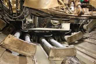 Photo: Donkrafte, der presser Nora fremad under arbejdet. De skubber slet og ret til sidste sæt tunnel elementer, der er blevet plads til i røret.
