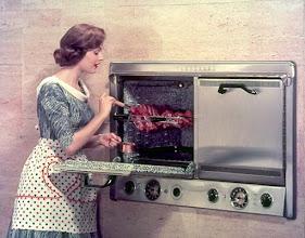 Photo: Amerykańska kuchnia z lat 50-ych XX wieku (2)
