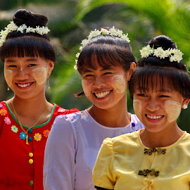 by Aung Kyaw Soe - People Group/Corporate (  )