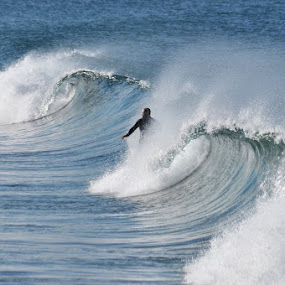 The men and the sea by Carlos Palhau - Sports & Fitness Surfing
