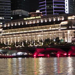 The Fullerton by Night by Shuvrangshu Kar - Landscapes Starscapes ( fullerton hotel, nightscapes, singapore )
