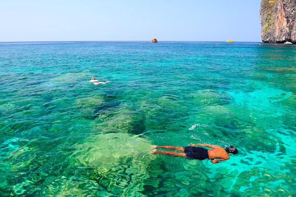 Snorkel in Phi Leh Bay