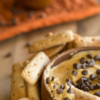 Pumpkin Chocolate Chip Cheesecake Dip