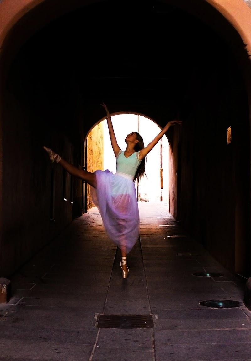 Una ballerina in città di lauraph_sardinia99