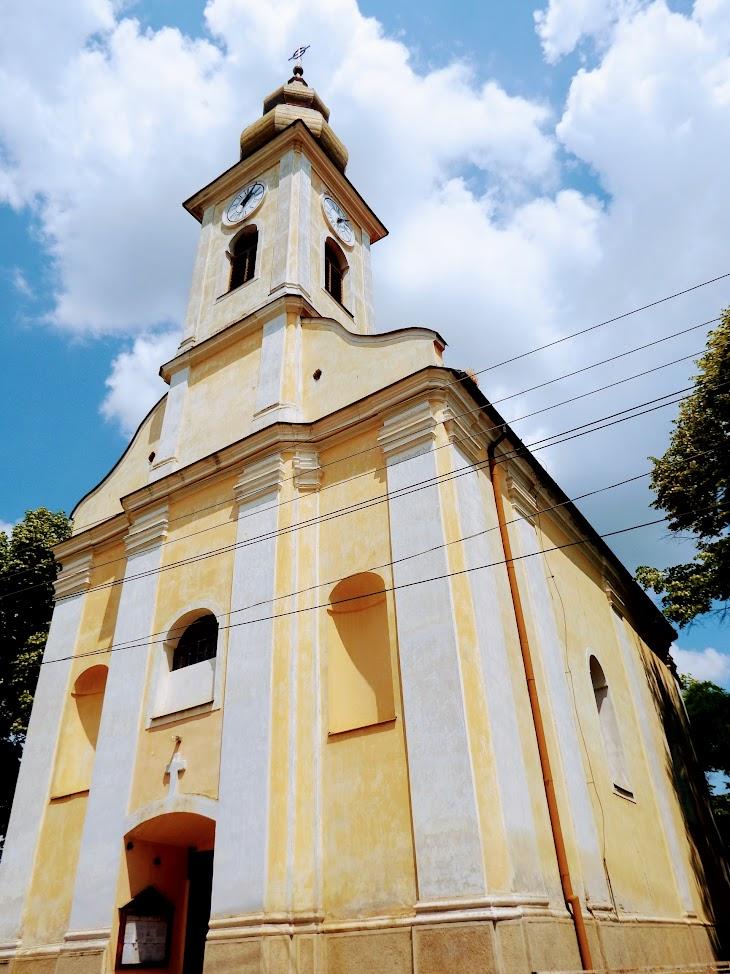 Gölle - Urunk szineváltozása rk. templom