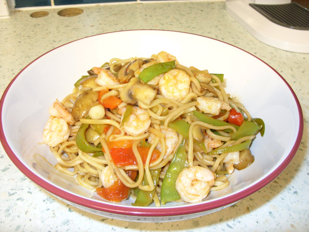 Prawn noodle stir fry served.jpg