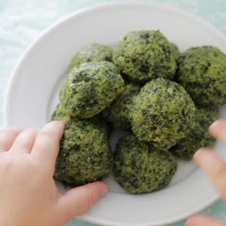 Cheesy Kale Bites