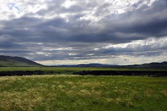Photo: Steppe sous nuages, dans les blés sauvages - avec le bruit de la rivière en contrebas.