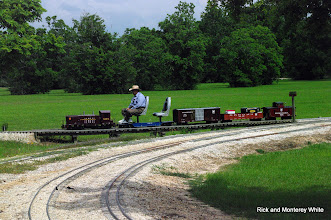 Photo: Jerry Schoenberg with PRR 9175.  HALS - SWLS 2009-0523