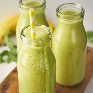 Pear, Avocado and Rocket Green Smoothie