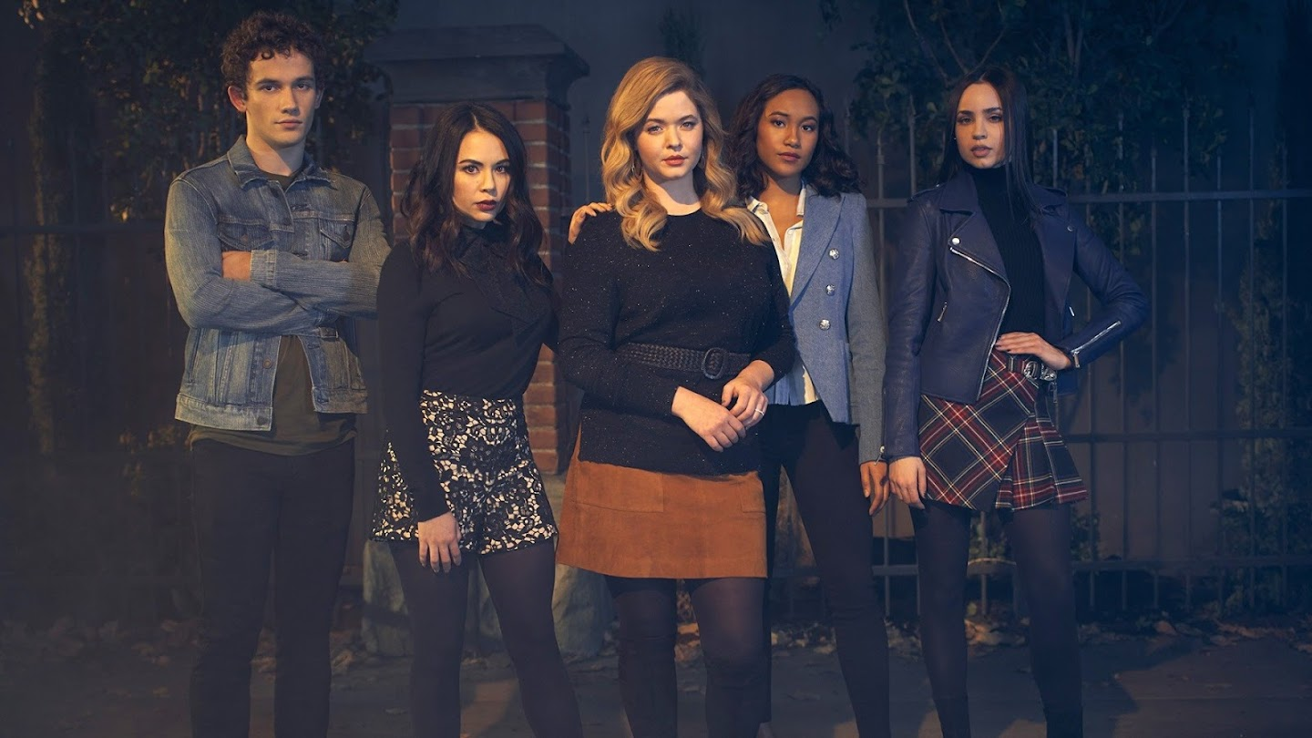 Watch Pretty Little Liars: The Perfectionists live