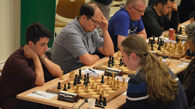 Photo: Spitzenbrett Runde 1: Nisipeanu Liviu-Dieter vs Seresin Francesco (1-0)