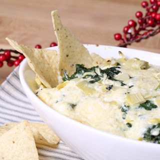 Everyone Needs to Know How To Make Spinach Artichoke Dip
