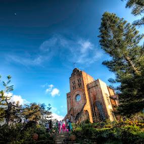 Caleruega Church by Raineir Cabotaje - Buildings & Architecture Places of Worship