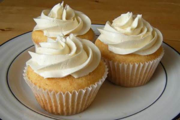 Buttermilk Cupcakes With Swiss Meringue Frosting
