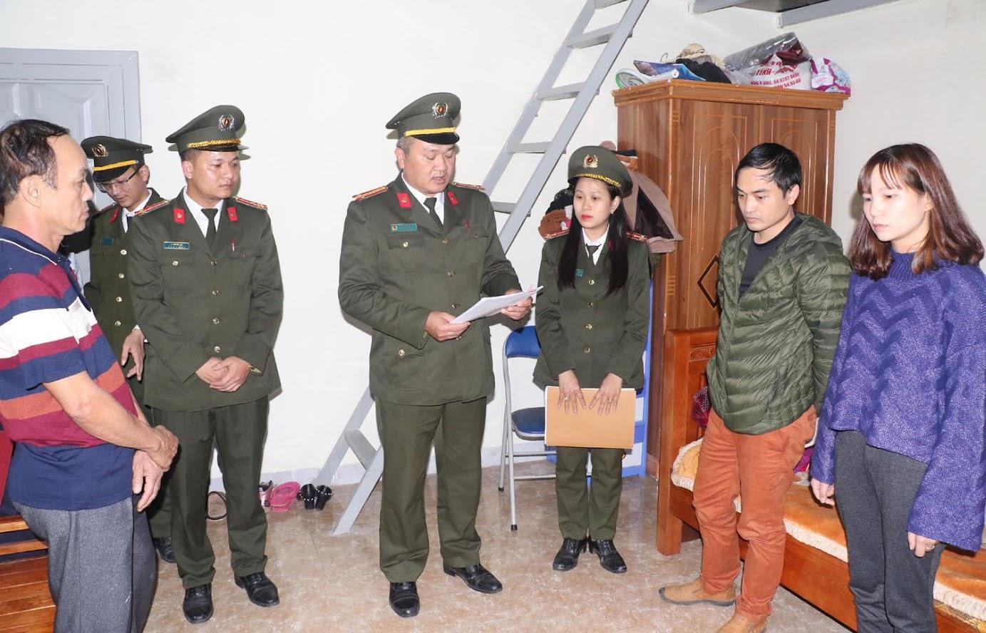 Thi hành lệnh bắt và khám xét khẩn cấp nơi ở của Nhữ Thị Nhàn và Phạm Tuấn Anh