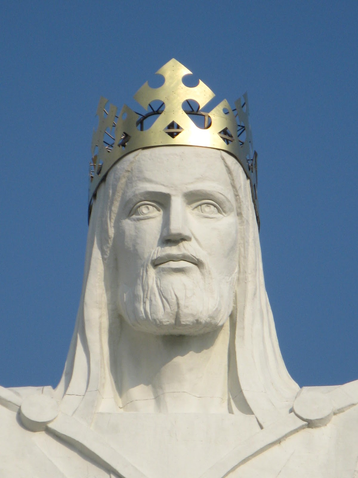 File:Christ the King Statue 1.