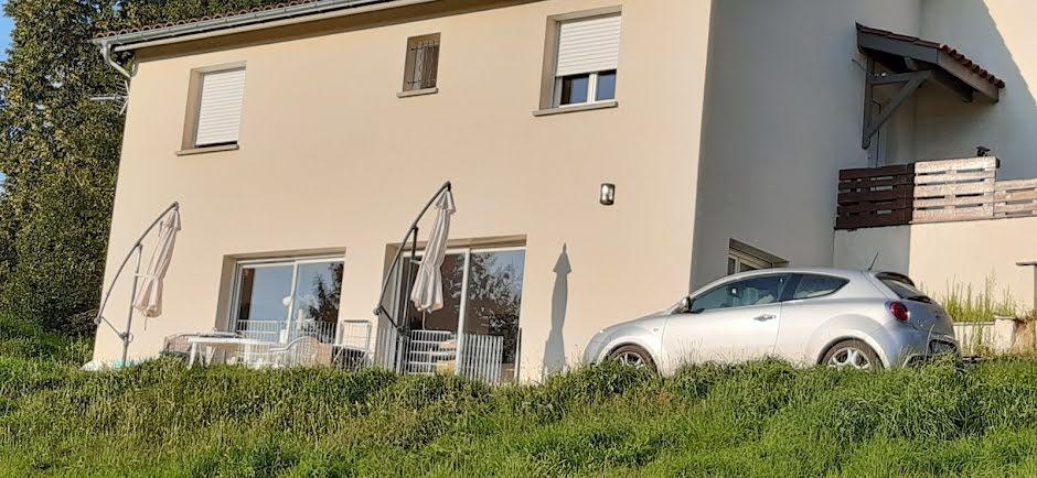 Location meublée maison 5 pièces 100 m² à Tarare (69170), 900 €