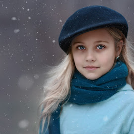 Virginia Snow by A. Caracciolo - Babies & Children Child Portraits ( child, blonde, winter, girl, cold, blue, outdoors, snow, blond, blue eyes, scarf, outside, hat )
