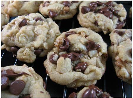 Crunch Jumbo Chocolate Chip Cookies Recipe