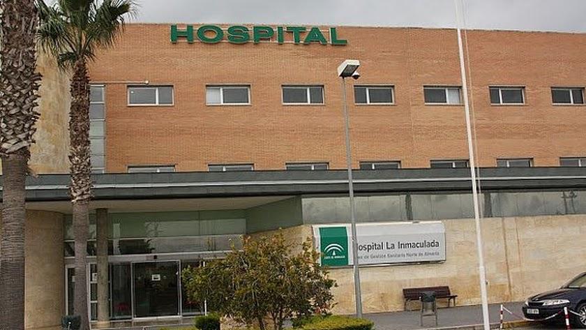 La joven tuvo que ser trasladada al Hospital La Inmaculada tras el golpe.