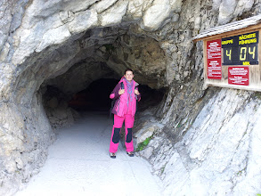 Photo: V mezistanici prozkoumáme ledovou jeskyni (Eishöhle)