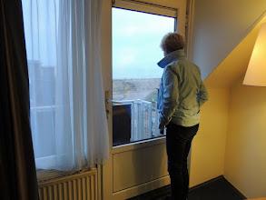 Photo: Terwijl we met onze bagage naar het hotel lopen, komen we Jos en Gerda tegen. Wàt een leuk begin van het weekend!