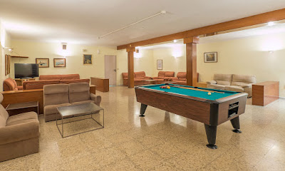 THE HOTEL - Games room
