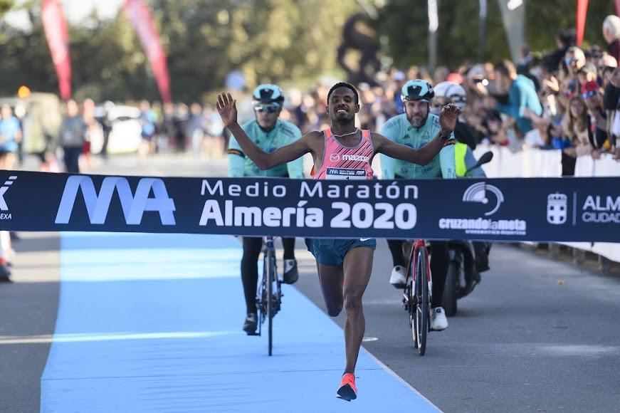 El ganador de los 21 kms.