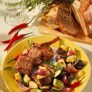 Lammkotelett auf Zucchini-Auberginengemüse