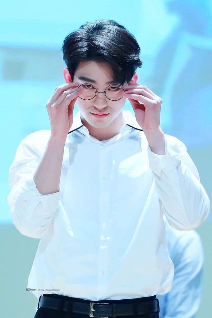 jinyoungspecs_3