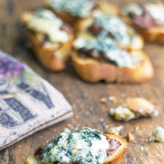 Caramelized Onion with Steak and Blue Cheese Bruschetta Recipe