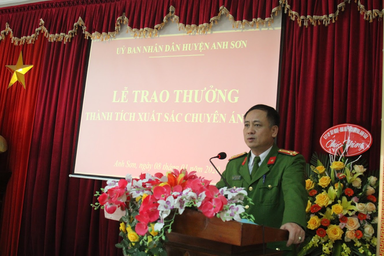 Đồng chí Thượng tá Nguyễn Hồng Tuyến đã báo cáo tóm tắt quá trình khám phá chuyên án 191M.