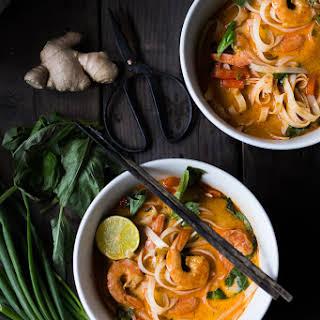 THAI COCONUT CURRY NOODLE SOUP (Khao Soi).