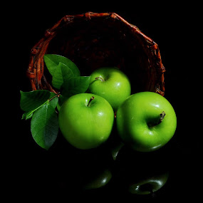 by Mohd Siberi Mohd Yusof - Artistic Objects Still Life ( pwcstilllife-dq, green apples )